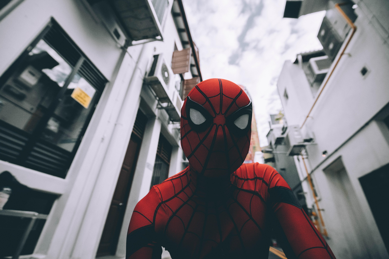 -Super-héros : pourquoi nous charment-ils?